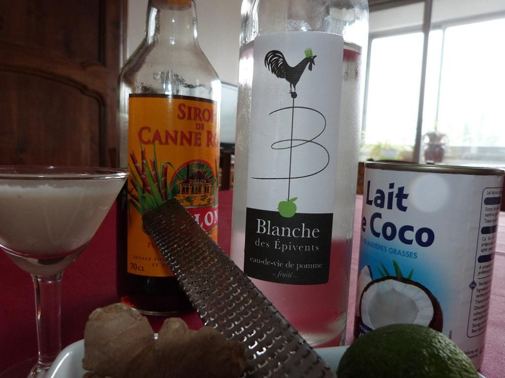 Cocktail coco gingembre a la blanche des pivents for Cocktail lait de coco
